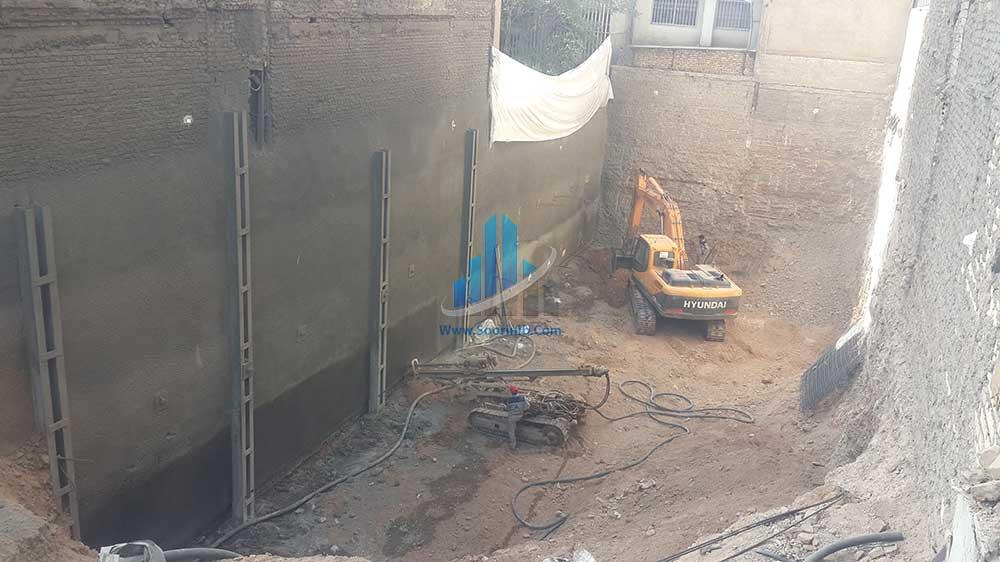 عملیات گودبرداری، تثبیت و پایدارسازی دیواره¬های گود به روش اجرای انکراژ و شمع فولادی