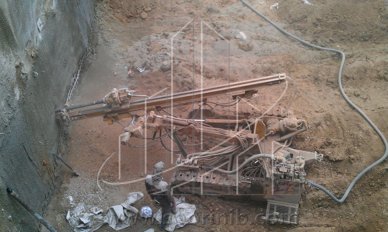 عملیات گودبرداری و تثبیت و پایدارسازی دیوارههای گود به روش اجرای نیلینگ