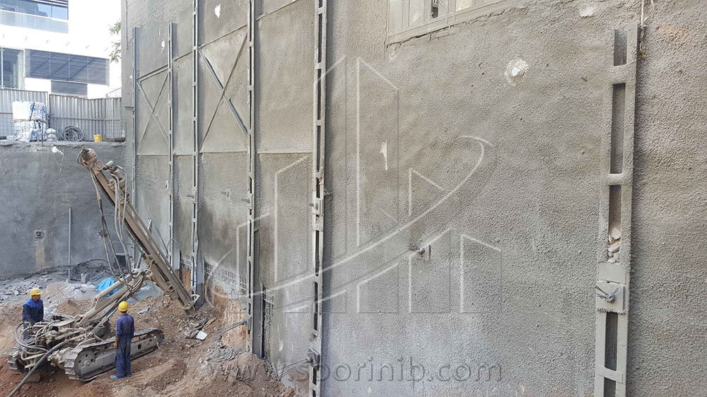 عملیات گودبرداری و تثبیت و پایدارسازی دیوارههای گود به روش انکراژ، شمع فولادی  و سازه نگهبان خرپایی